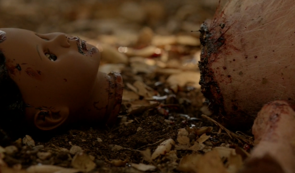 american-horror-story-my-roanoke-nightmare-chapter-2-the-pig-doll