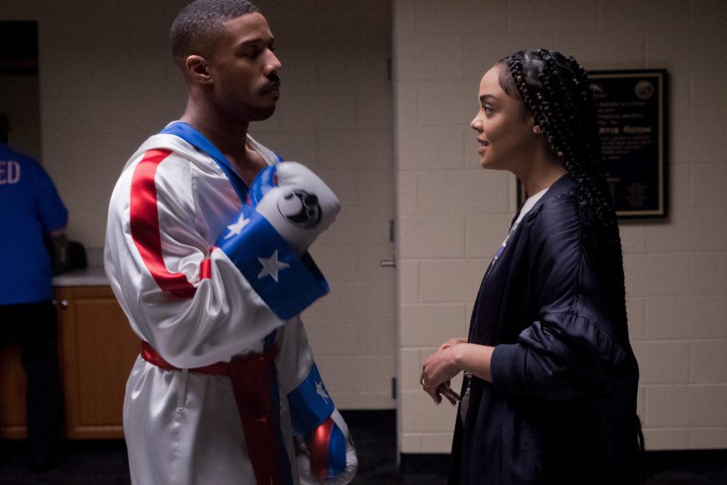 Adonis e Bianca conversando antes da luta